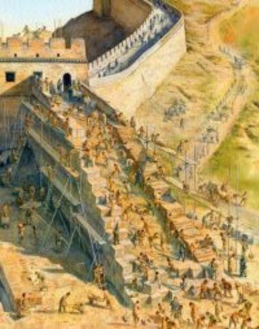 220 BC : Construction of Great wall of China