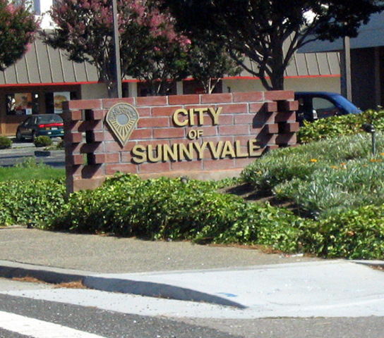 Sunnyvale, California becomes the first Wi-Fi enabled city in the United States.