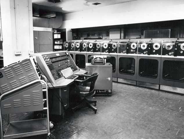 UNIVAC 1 PRIMER COMPUTADOR COMERCIAL