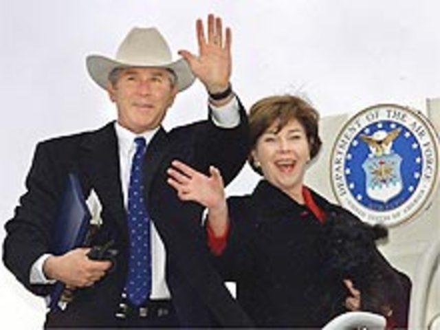 G. Bush é eleito presidente