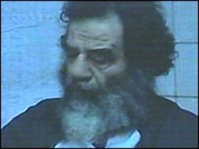 Saddam Hussein é capturado no Iraque