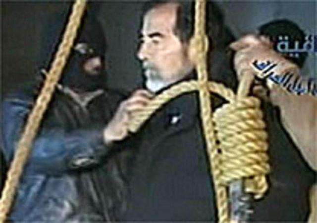 Saddam Hussein é enforcado no Iraque
