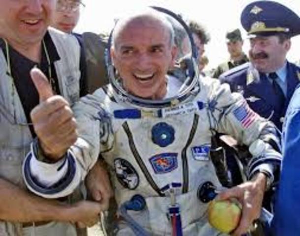 El primer turista en el espacio