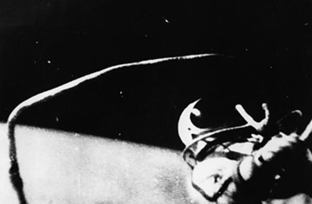 Première sortie dans l'espace
