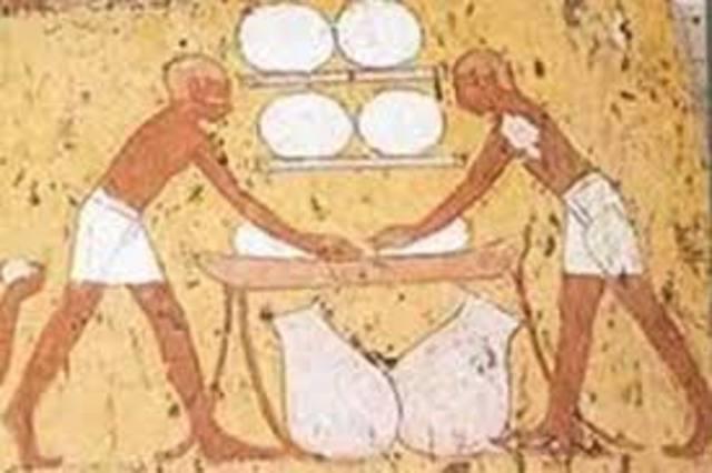 4000a.C. Los egipcios fabricaban pan a partir del trigo.