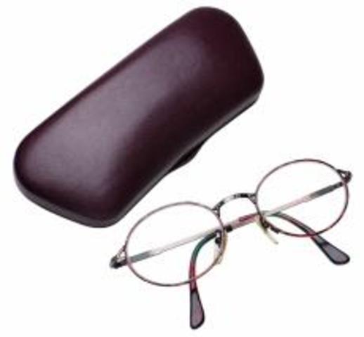 Surge la invencion de los anteojos