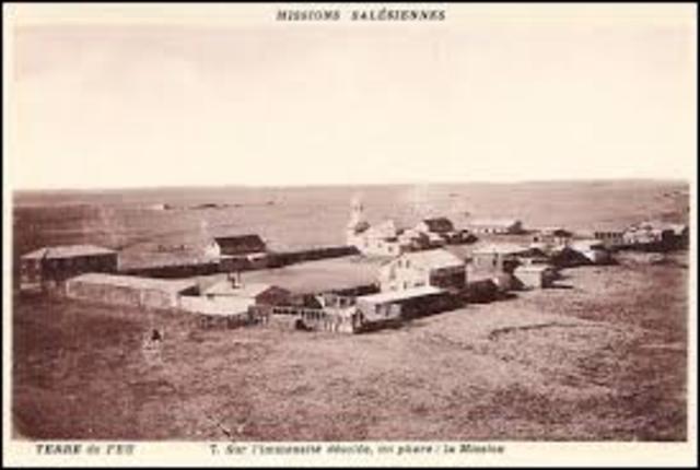 Incendio de la misión de la Candelaria. Acompañamiento de los indios y las Hermanas.