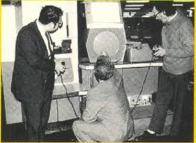 DEC introduce su primera súper minicomputadora