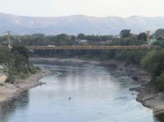 3 meses sin lluvias, se demuestra que no se puede tener el rio Tunjuelo como unica fuente de abastecimiento.