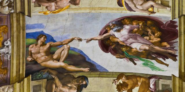 michalengelo begins painting sistine chapel