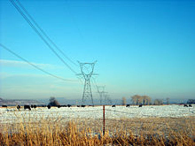 first long- distance high voltage transmission line