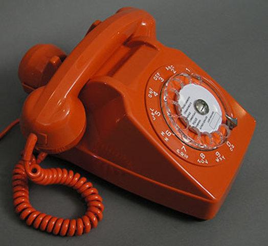 El teléfono permite comunicaciones profesores - alumnos