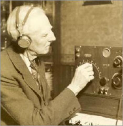 Se inventa el radio