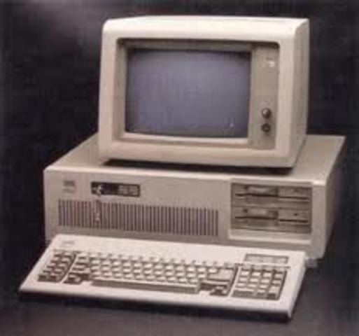 Primer ordenador de escritorio