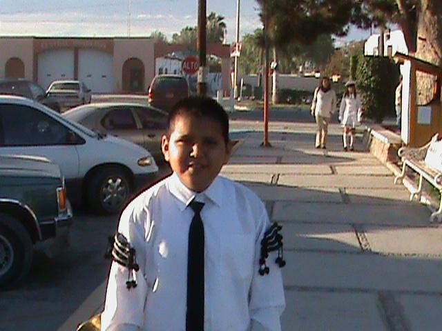 Desfile de la banda de guerra de la primaria.