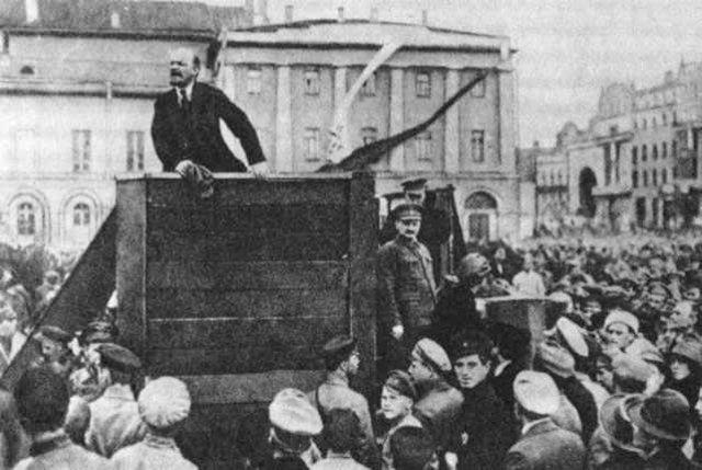 Vladimir Lenin and the Bolsheviks capture the Winter Palace