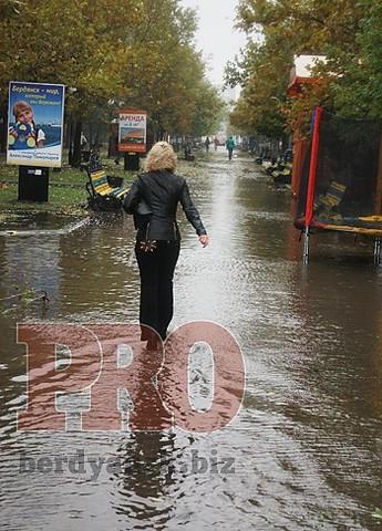 Непогода, которая бушевала вчера в нашем городе, затронула и Бердянский район
