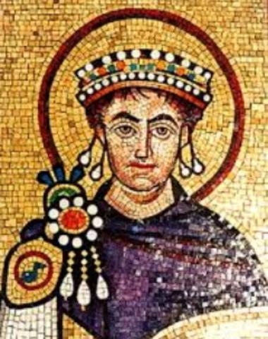Justininiano es proclamado emperador