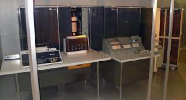 Era electrónica(IBM 7070)