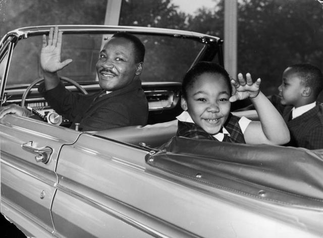 MLK Jr and His First Son Recieves the Contribution Recognition Award