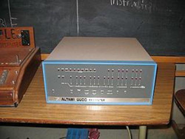 Era electrónica(Altair 8800)