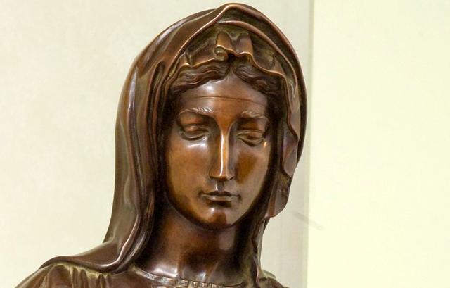Michelangelo's mother dies
