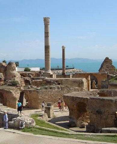 San Agustin se traslada a Tagaste, donde fundará un monasterio en el que permanecerá hasta el año 391