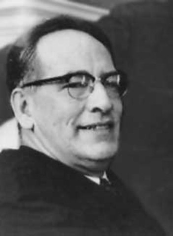 Nace John W. Mauchly