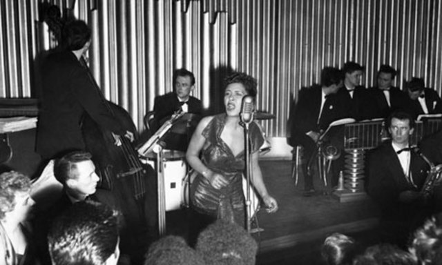 """Billie Holiday first performs """"Strange Fruit"""" in New York"""