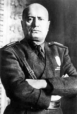 Mussolini asume el gobierno de Italia