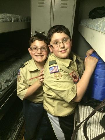Hace 4 años que Andrew y Zach son Boy Scouts