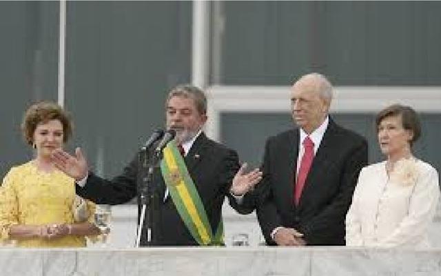 Ploítica-Lula elege-se presidente novamente