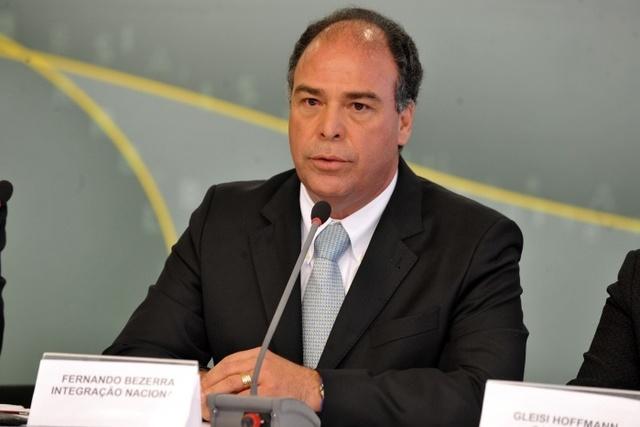 Ministro Fernando Bezerra renuncia.