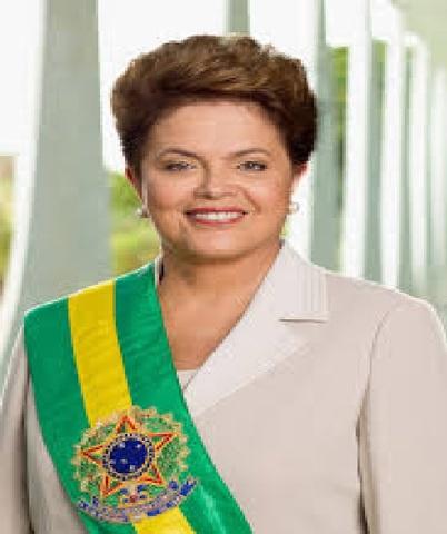 Política-Brasil elege primeira mulher presidente