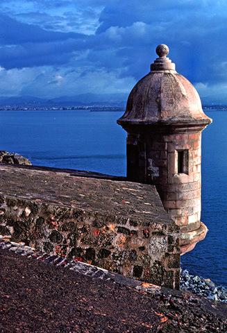 Columbus lands in Puerto Rico