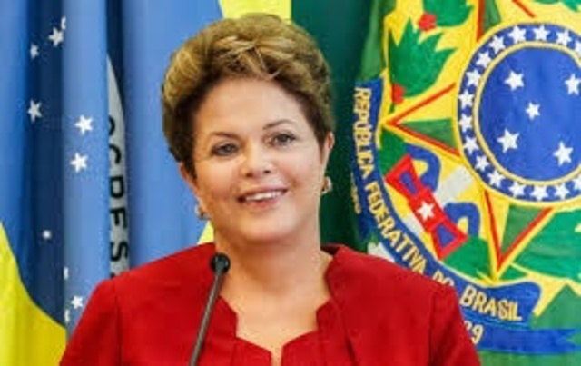 Dilma vence eleições