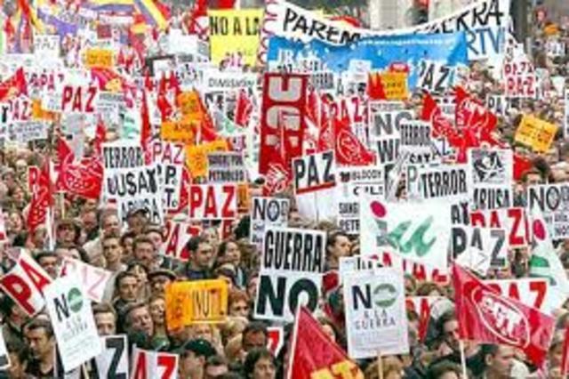 PROTESTAS ANTI APOYO A LA GUERRA DE IRAK