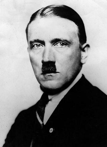 Adolf Returns to Munich