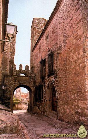 Arco y palacio de Chaves (Trujillo, Cáceres)