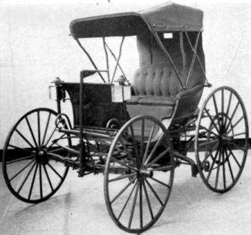 Creación del primer automovil.