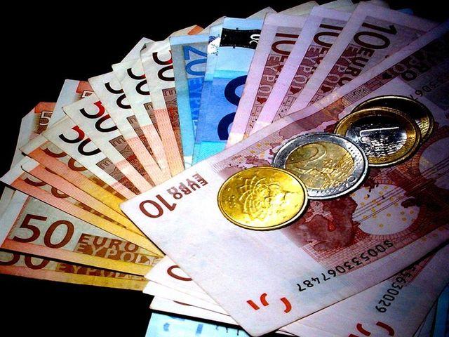 Αντικατάσταση κρατικού νομίσματος χωρών της Ε.Ε. με ευρώ