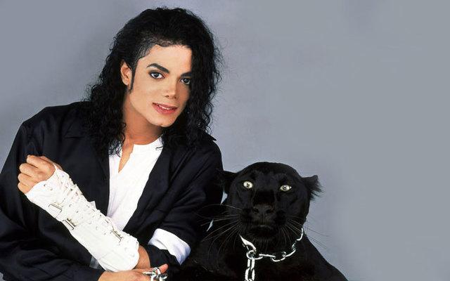 """Альбом """"Dangerous"""" и клип """"Black and white"""""""