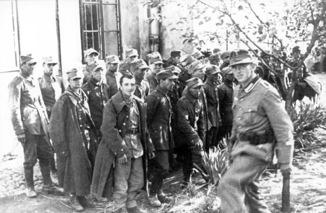 Vladek is captured as a prisoner of war.