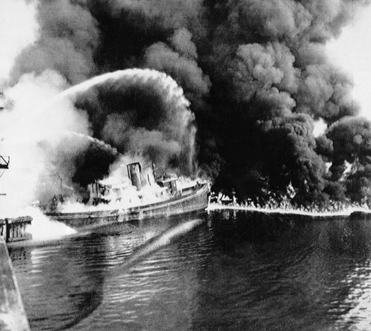 Cuyahoga River catches fire