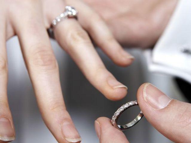 Vladek and Anja become engaged