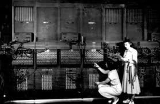 Primeiro computador eléctrico e início dos computadores ABC.