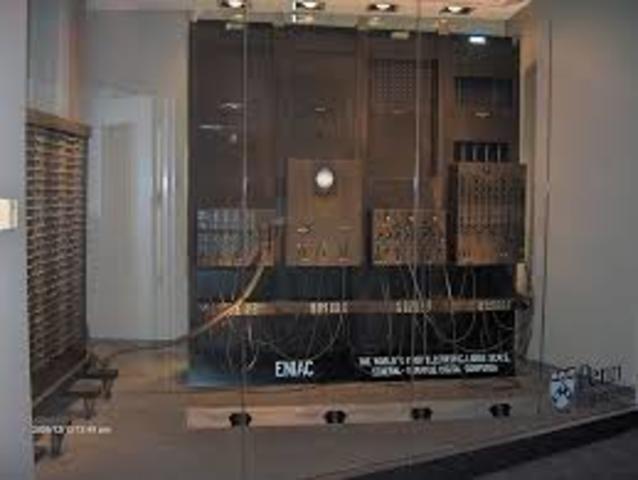 O ENIAC torna-se operacional