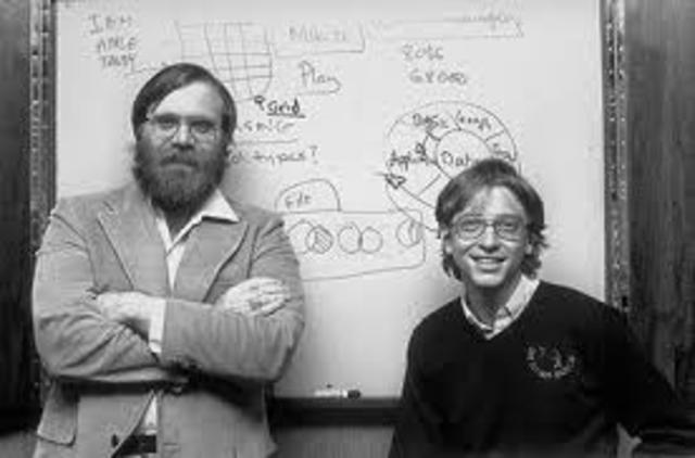 Bill Gates e Paul Allen escrevem a primeira implementação BASIC para o MITS ALTAIR