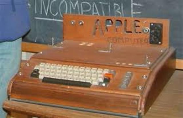 A Apple lança o Apple 1
