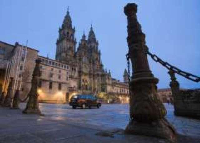 Flights from Accra to Santiago de Compostela